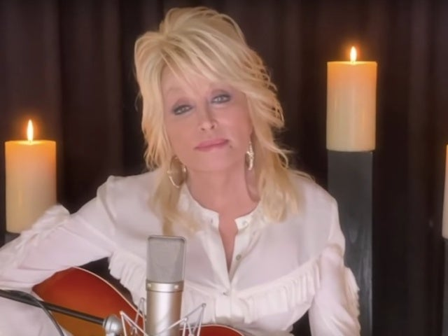 Dolly Parton Honors Kenny Rogers With 'Sweet Music Man' on CMT Special