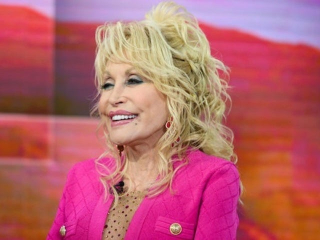 Dolly Parton Donates $1 Million to Aid in Coronavirus Cure Research
