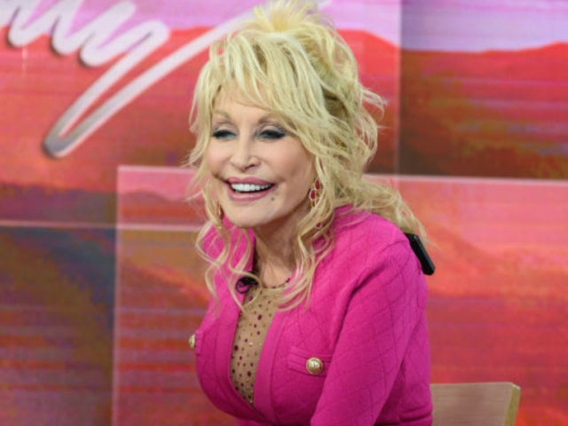 Dolly Parton Fans Were Overwhelmed by Her Easter Living Room Concert