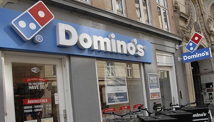dominos-pizza-bitten-corona