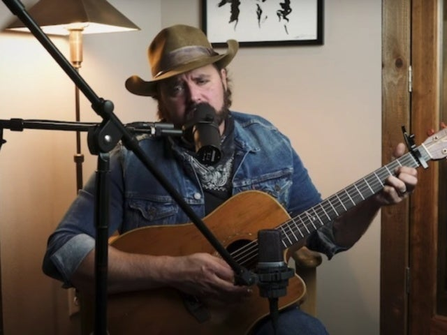 Randy Houser Takes on 'The Gambler' for CMT Kenny Rogers Special