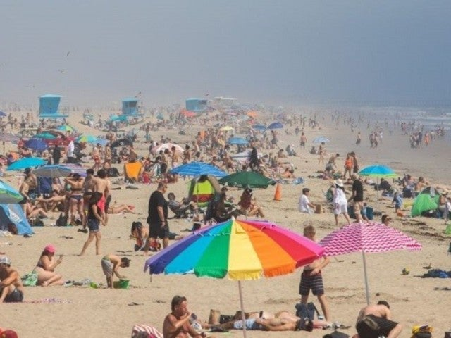 New Beach Photos From New York to California Revealed, and They Are Packed Despite Coronavirus Orders