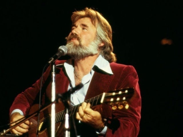 CMT to Honor Kenny Rogers With Virtual Concert Featuring Dolly Parton and More