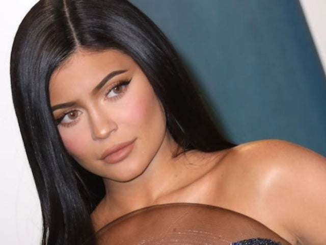 Kylie Jenner Shares Rare Makeup-Free Selfie From Quarantine
