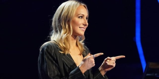 Photo of 'Who Wants To Be A Millionaire?' Fans Weigh In on Nikki Glaser's Emotional Slip-Up | TV