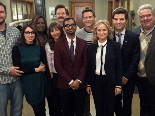 'Parks and Recreation' Stars Reunite for Democratic Fundraiser