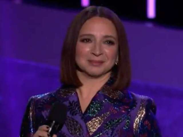 Prince Grammy Tribute: Maya Rudolph's Coat Draws Some Big Reactions