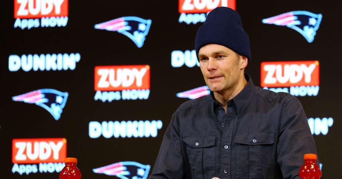 Tom Brady enters wrong house looking Buccaneers assistant coach Byron Leftwich