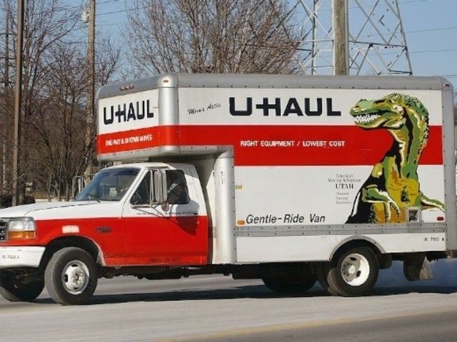 New York Funeral Home Fills U-Haul Trucks With Dozens of Bodies as Morgues Run out of Space
