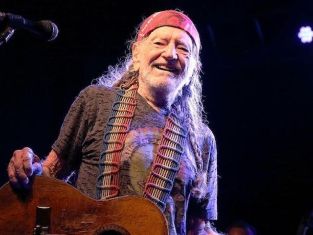 Willie Nelson Signs Face Masks to Be Auctioned off so More Can Be Made