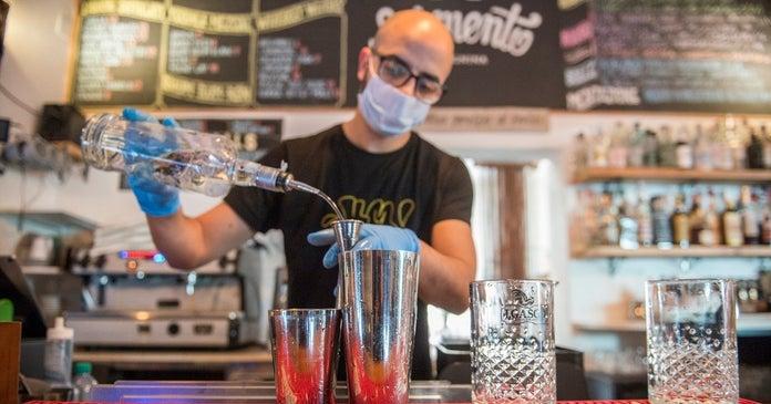 bartender-coronavirus-getty