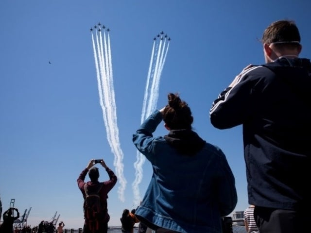 Watch Navy Blue Angels, Air Force Thunderbirds Honor Coronavirus Frontline Workers With Flyover Salute in New York