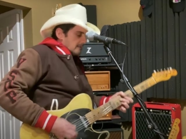 Brad Paisley Performs 'No I in Beer' on 'The Tonight Show'