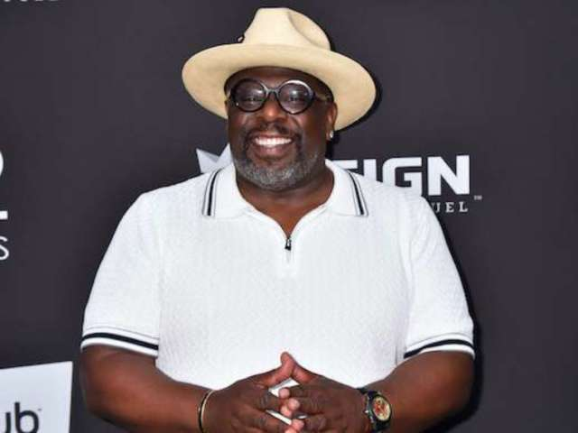 'The Last Dance': Cedric the Entertainer Remembers Gambling With Michael Jordan and Charles Barkley