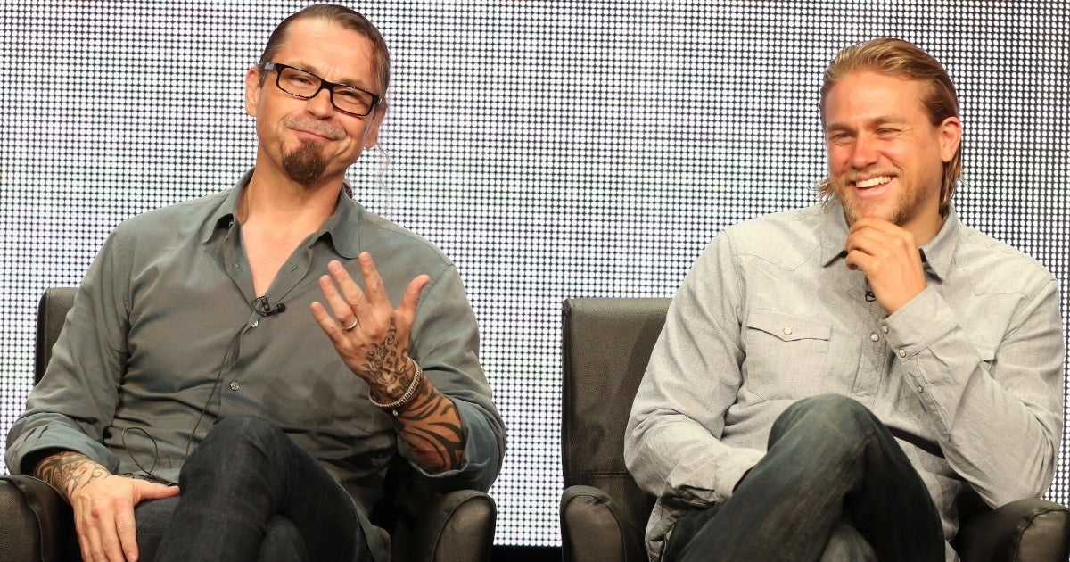 charlie hunnam kurt sutter getty images