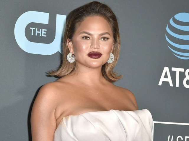 Chrissy Teigen Is Removing Her Breast Implants