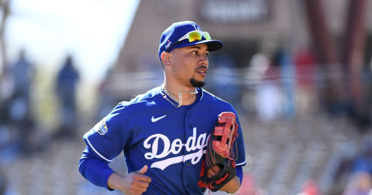 Dodgers Mookie Betts surprises Tennessee supermarket