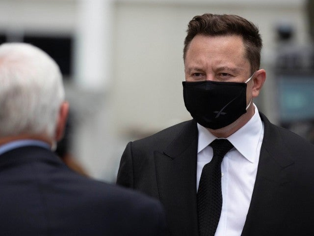 Elon Musk Under Fire for Not Wearing Proper Face Mask Ahead of 'SNL' Episode