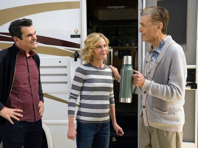 Fred Willard's 'Modern Family' Co-Stars Mourn Loss of Series Grandfather Frank Dunphy