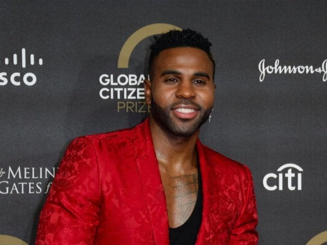 Jason Derulo Tooth Appears to Chip On Video Eating Corn on the Cob With a Power Drill