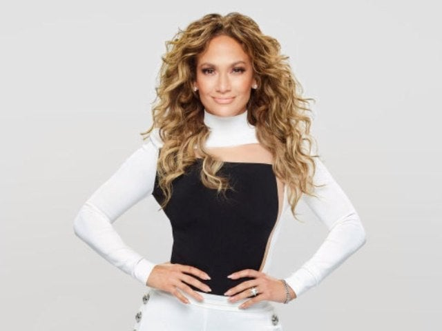 Jennifer Lopez Fans Worry Over Hiding Man in New Selfie, But the Mystery Has Been Solved