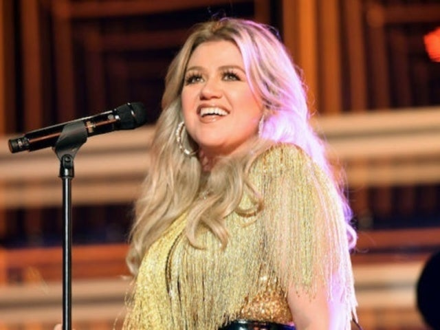 Kelly Clarkson Postpones Las Vegas Residency to 2021