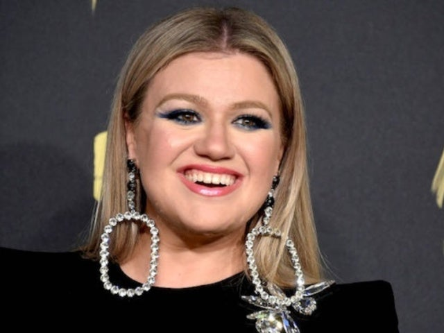 Kelly Clarkson's 'Patience Is Being Tested' During Coronavirus Quarantine