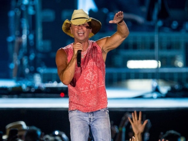 Kenny Chesney Moves Chillaxification Tour to 2022