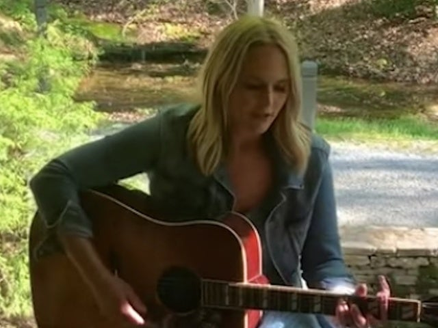 Miranda Lambert Shares Acoustic Video for 'Bluebird'