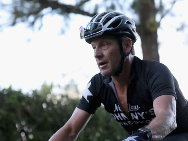 Lance Armstrong Shares Story of Buying Drinks for Fans Who Cursed Him Out