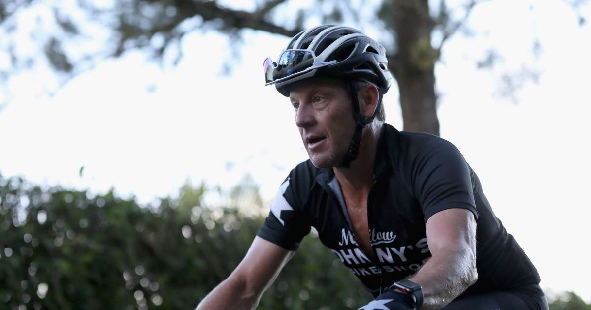 Lance Armstrong shares story buying drinks fan cursed him out