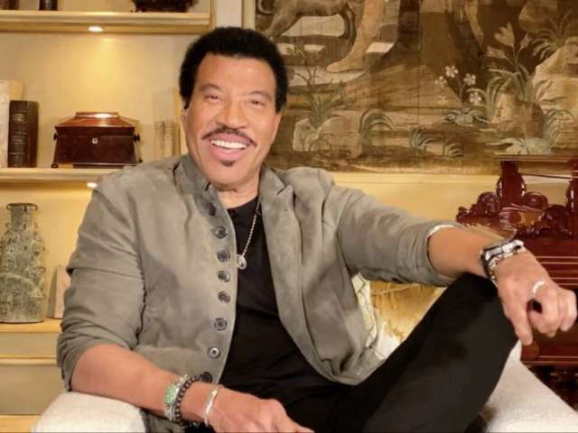 'American Idol': Lionel Richie's 'We Are the World' With Top 7 Lights up Social Media