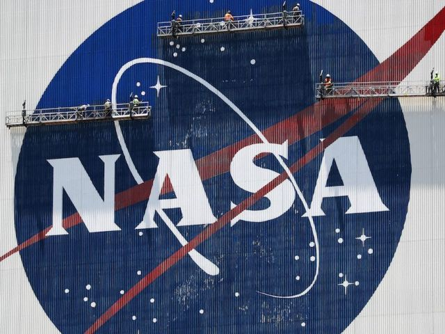 SpaceX Launch: Crew Dragon Liftoff Delayed Due to Weather