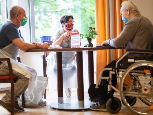 Nursing Home Compared to 'War Zone' Following Coronavirus Outbreak