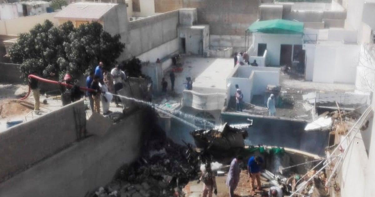 pakistan-plane-crash_getty-ASIF HASSAN : Contributor
