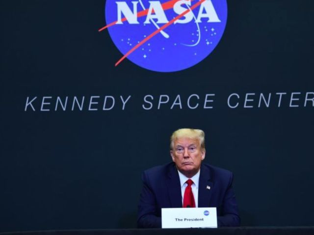 SpaceX Launch: Watch Donald Trump and Elon Musk Exchange Words Before Crew Dragon Delay