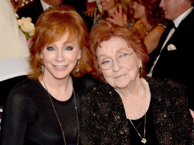 Reba McEntire Reflects on Quarantine After Mother's Death: 'It Was a True Blessing'