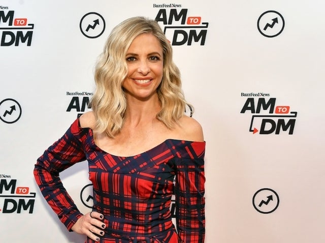 Sarah Michelle Gellar Rocks Freddie Prinze Jr. Printed Pajamas in New Video
