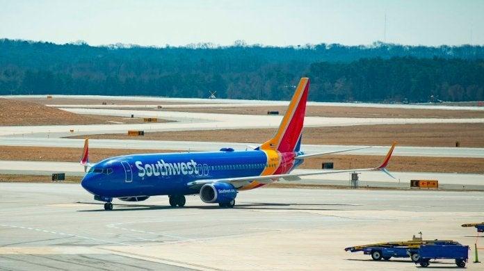 southwest-airlines-airplane-jetliner