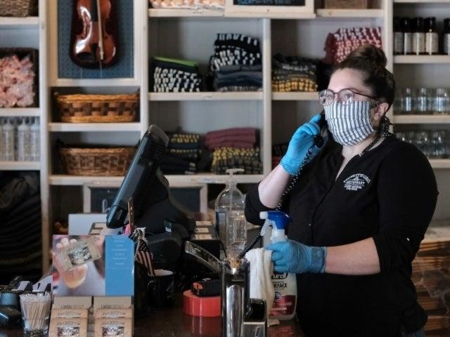 Tennessee Under Pressure After Spending $8.2 Million on Sock-Material Face Masks
