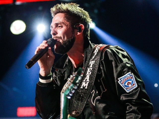 Thomas Rhett Postpones Center Point Road Tour to 2021