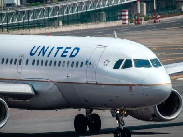 United Airlines Join Unions in Call to Extend Federal Aid, Urge Restart of Second Stimulus Negotiations