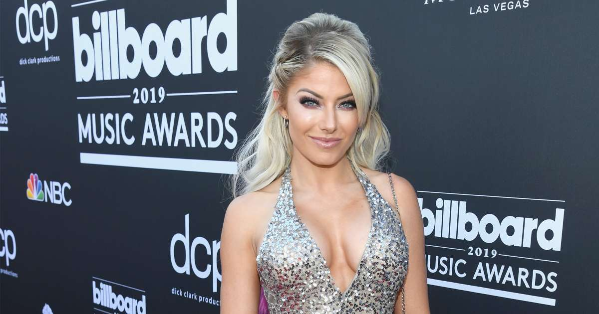 WWE stars, fans support Alexa Bliss verbally attacked podcaster