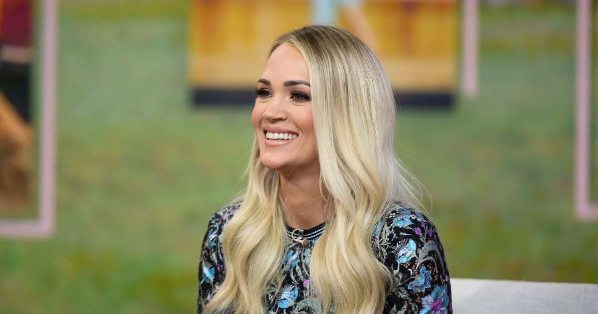 Carrie Underwood praises Amanda Nunes UFC Champ