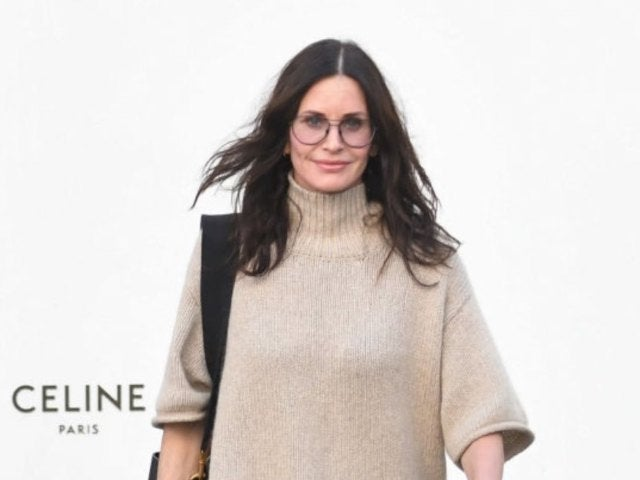 Courteney Cox Performs 'I'll Be There for You' 'Friends' Theme Song on Piano