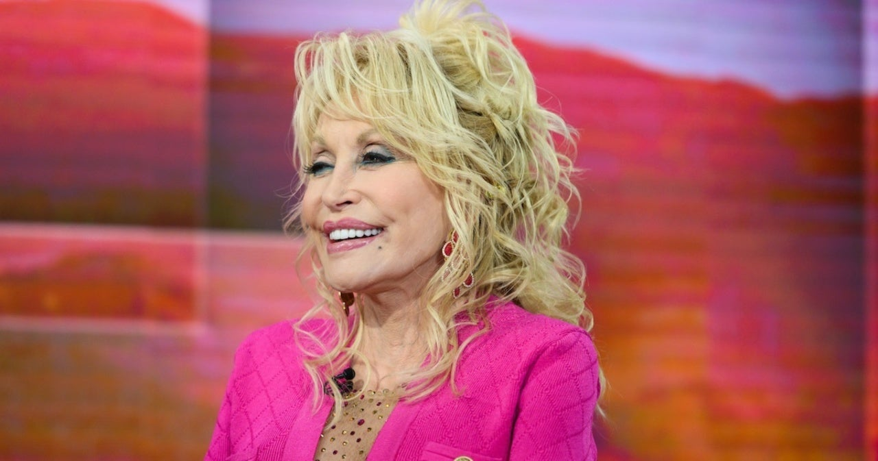 Dolly Parton Reveals She Used 'I Will Always Love You' Royalties to Support a Black Neighborhood.jpg