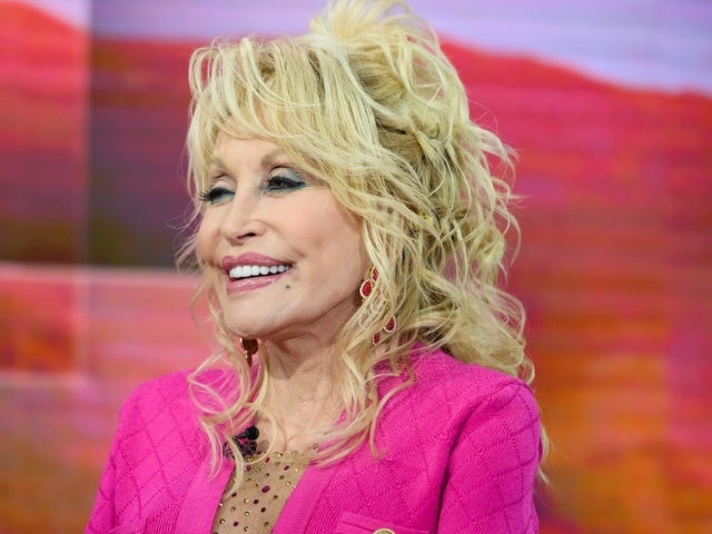 Dolly Parton Risked a Bear Attack to Avoid a Bad Date