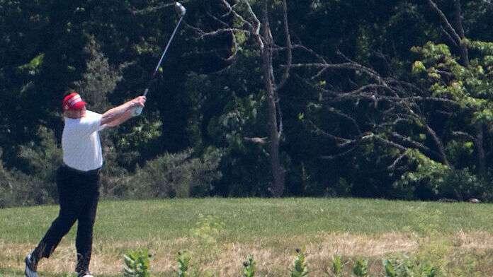 Donald-Trump-Golf-1