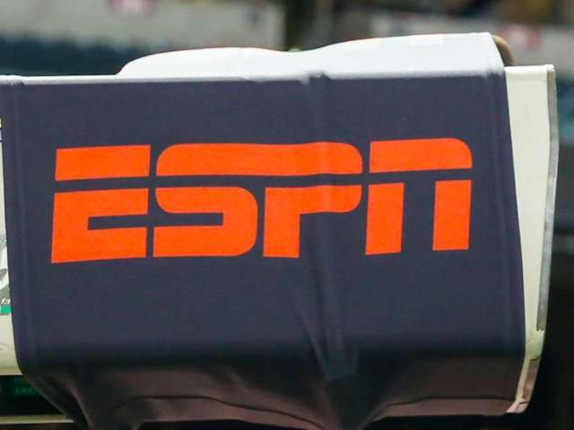 ESPN Broadcasts 'Air Bud,' and Viewers Go Wild