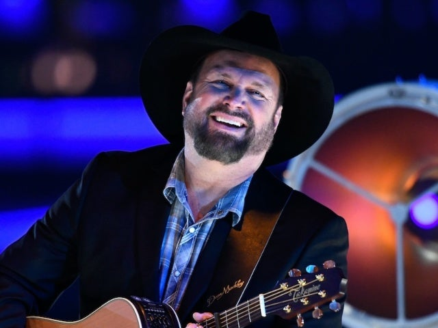 Garth Brooks Planning Concert Event at 300 Drive-In Theaters